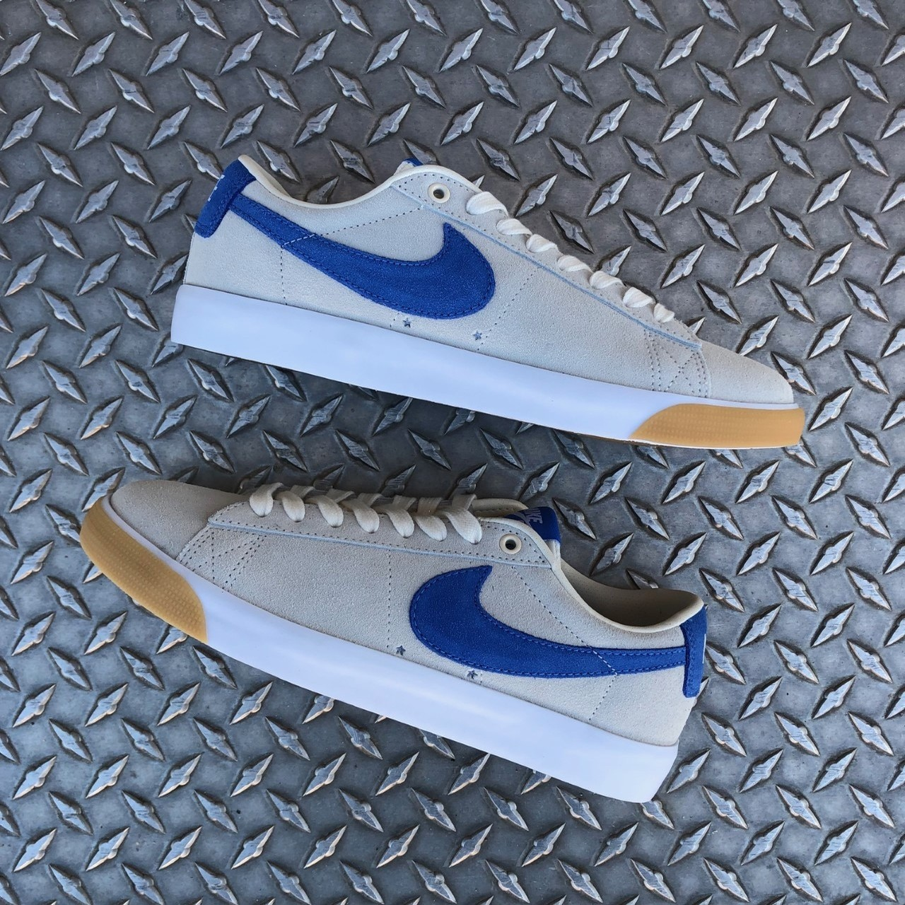 ZOOM BLAZER LOW GT (PALE IVORY/PACIFIC BLUE-WHITE)