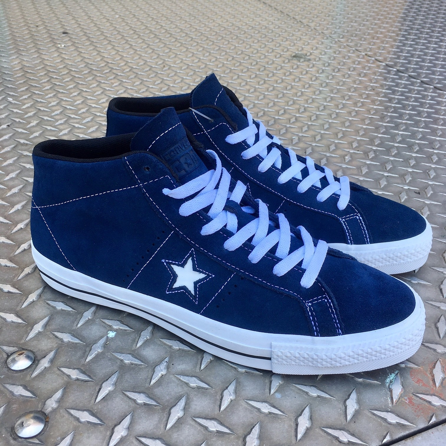 ONE STAR PRO SUEDE MID (NAVY/WHITE/BLACK)