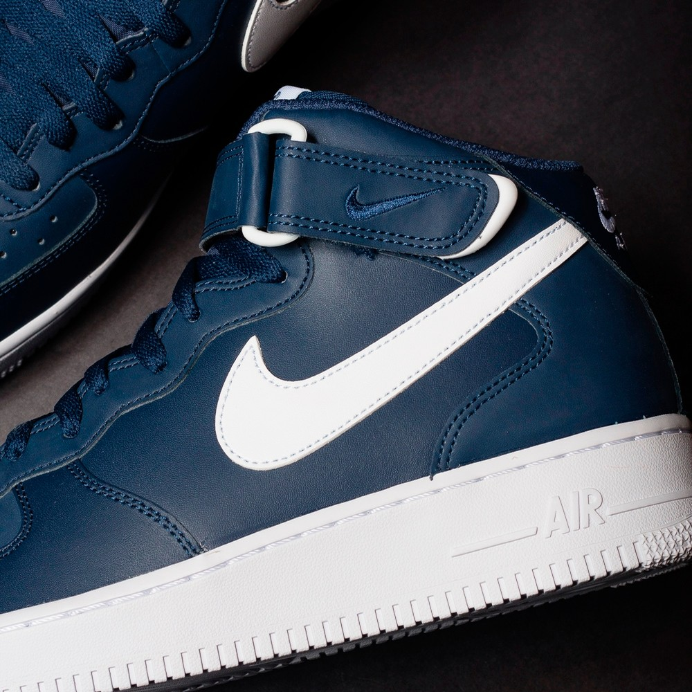 NIKE Air Force 1 Mid (Midnight Navy)