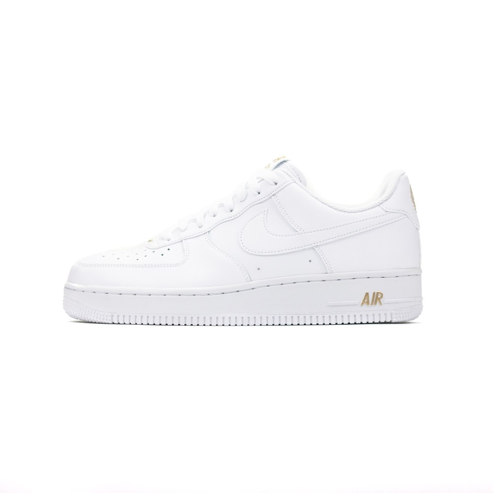 NIKE Air Force 1 07 (white/gold)
