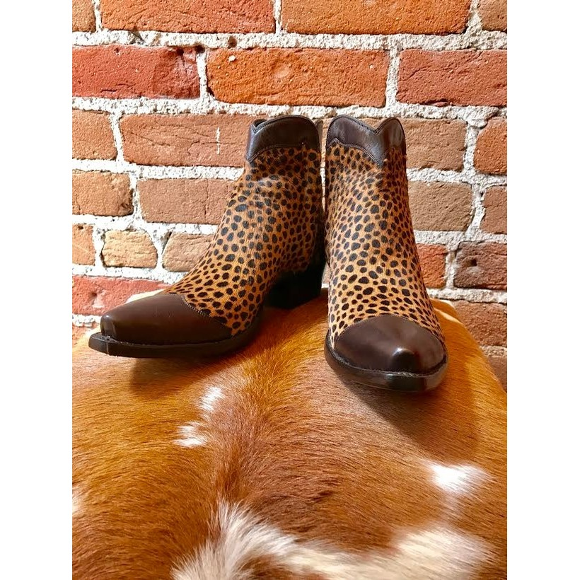 Tres Outlaws Leopard Zorro Boot