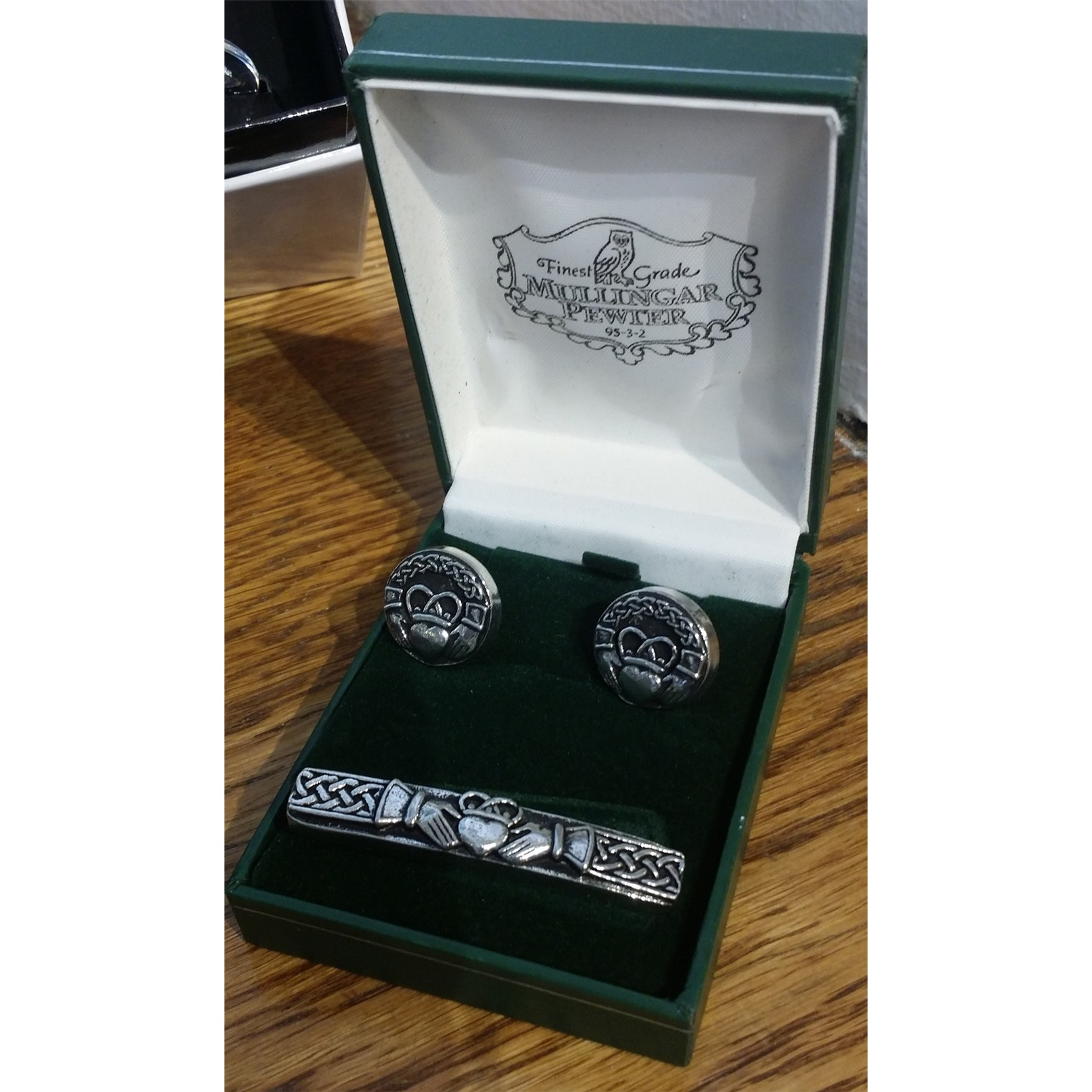 Claddagh Tie Pin and Cufflinks