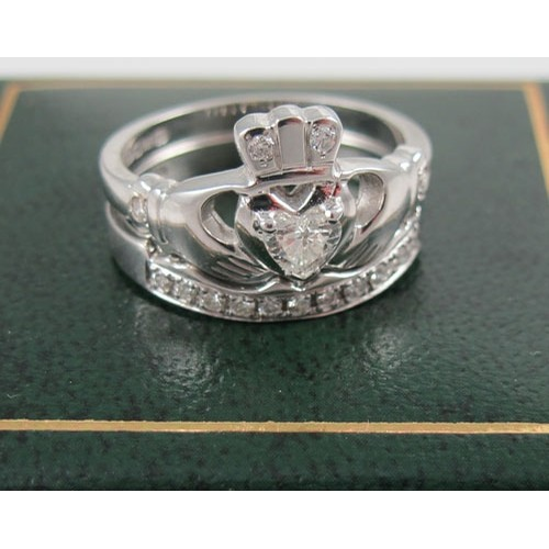Claddagh Ring with Diamond (Matching Band)