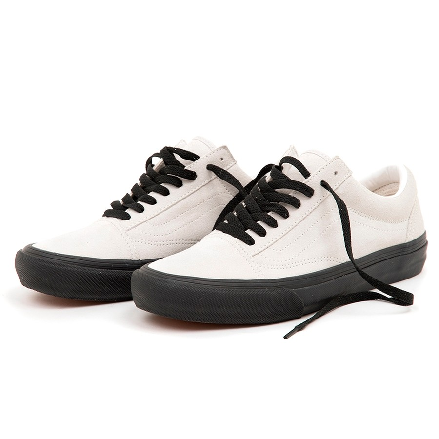 Old Skool Pro (Uprise) White / Black VBU