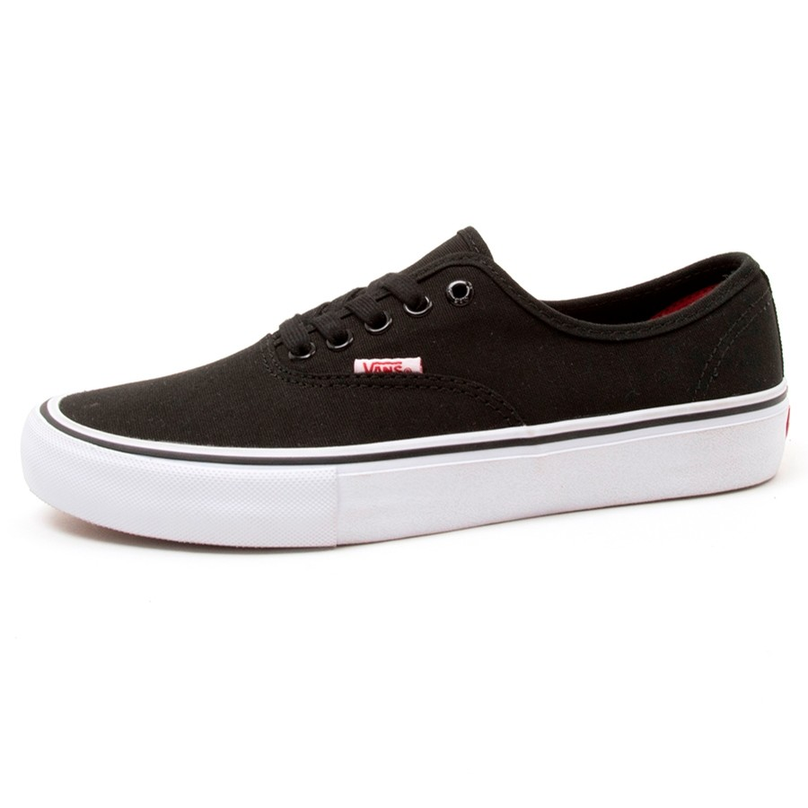 Authentic Pro (Black / White) VBU