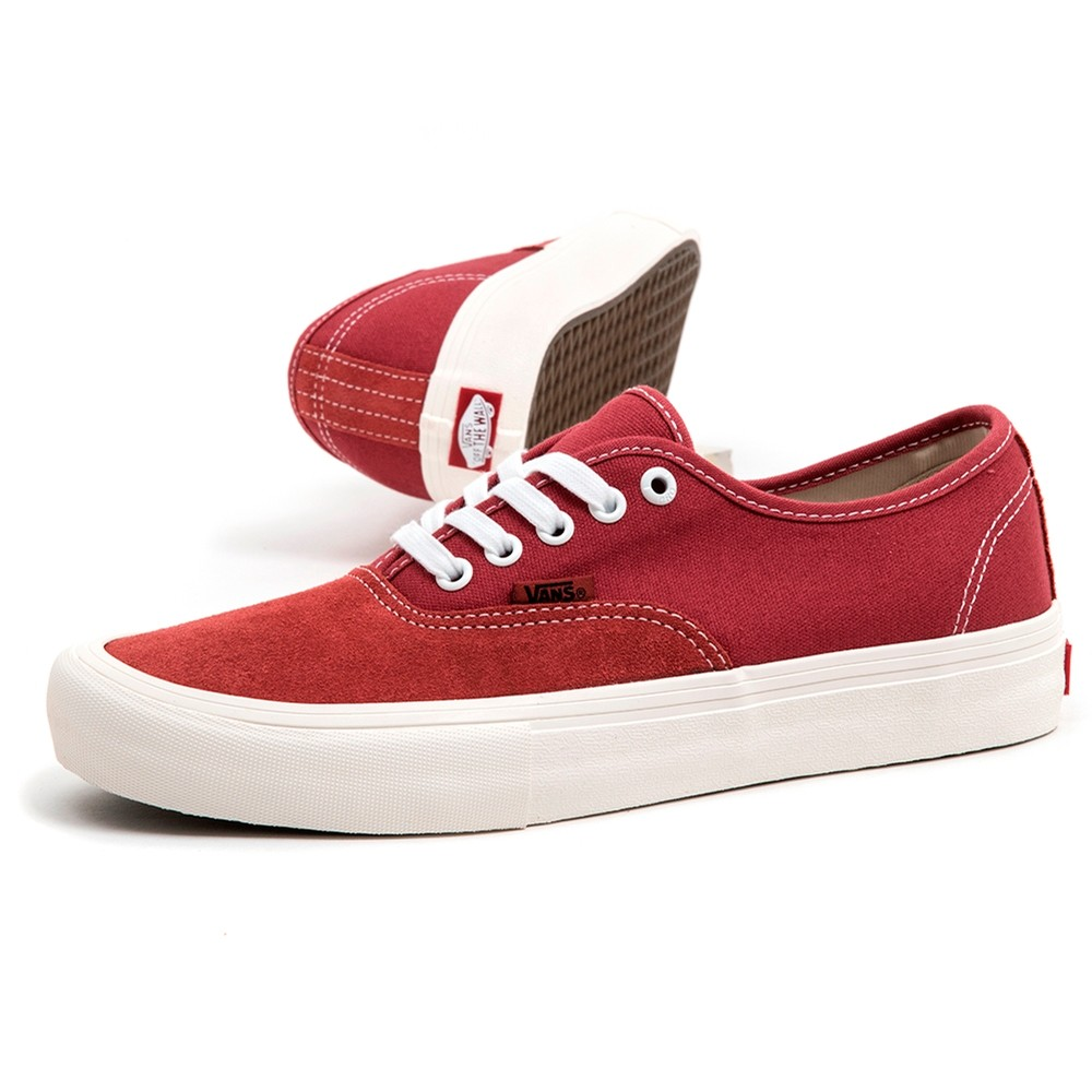 Authentic Pro (Mineral Red / Marshmallow)