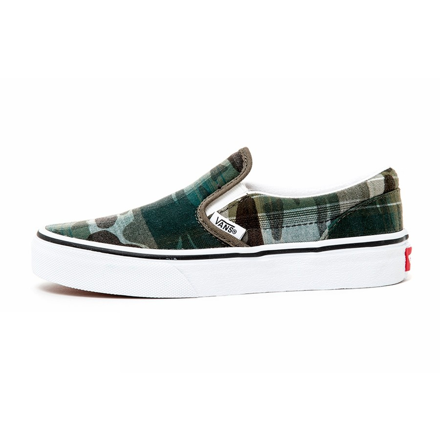 Kids Classic Slip-On (Plaid Camo) Grape Leaf / True White VBU