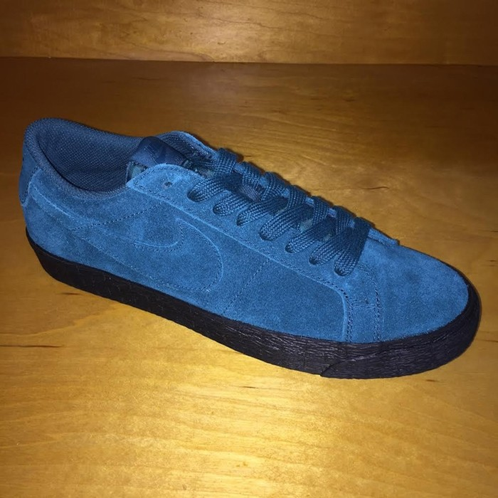 Blazer Low (Geode Teal)